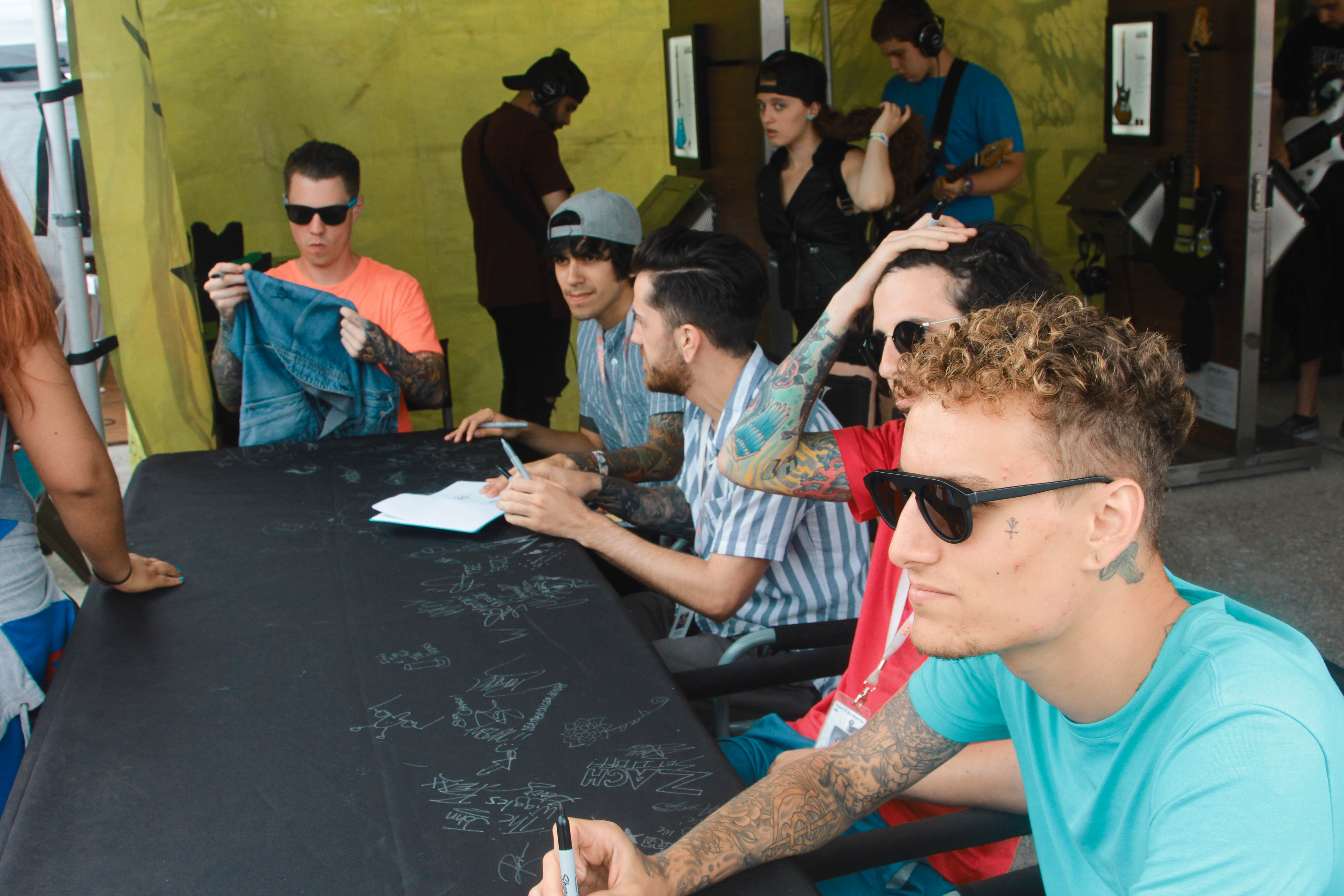 Crown The Empire Signing