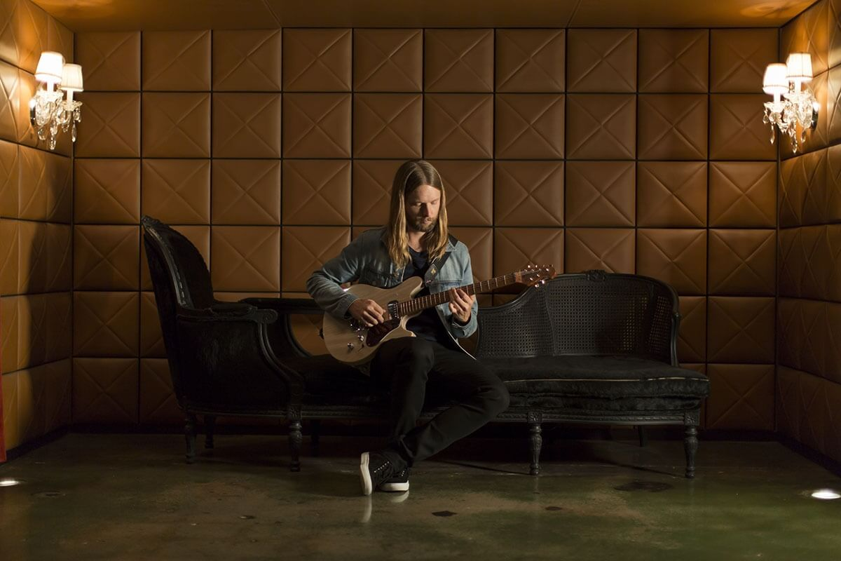 watch ernie ball the pursuit of tone with james valentine. Black Bedroom Furniture Sets. Home Design Ideas