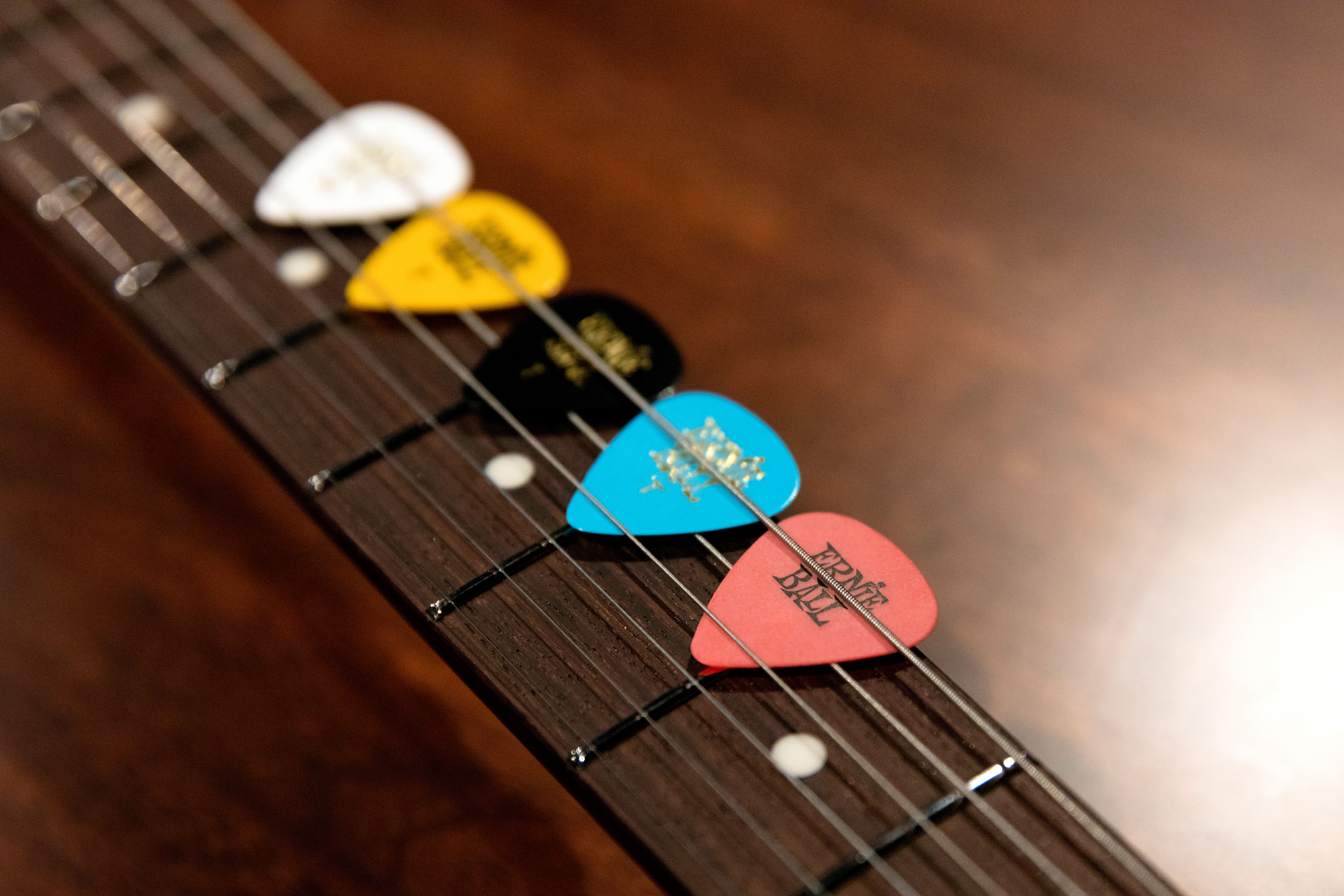 e6501744 Buying Guide: How To Choose The Right Picks – Ernie Ball Blog