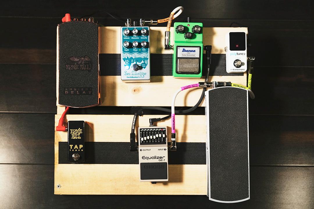 How To Wire A Pedal Board – Ernie Ball BlogErnie Ball Blog