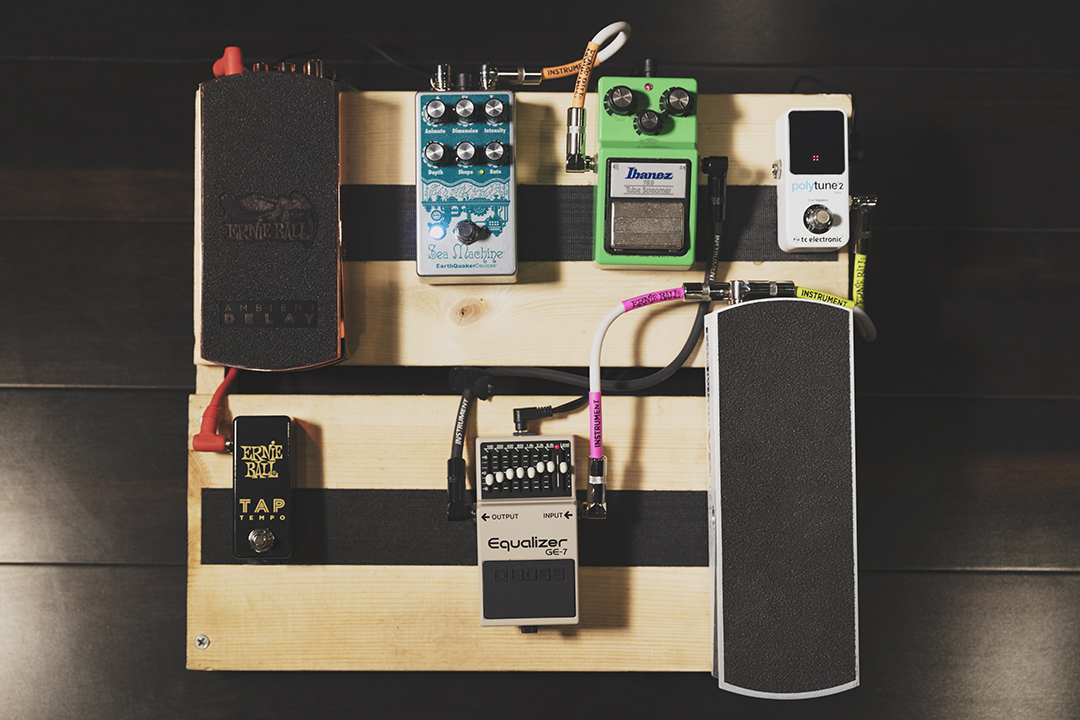 how to wire a pedal board ernie ball blog. Black Bedroom Furniture Sets. Home Design Ideas
