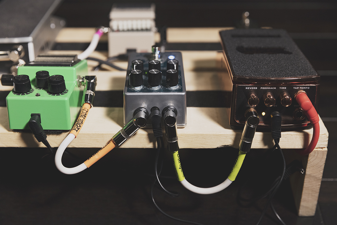 how to wire a pedal board ernie ball blog rh blog ernieball com guitar pedal off board wiring best pedalboard wiring